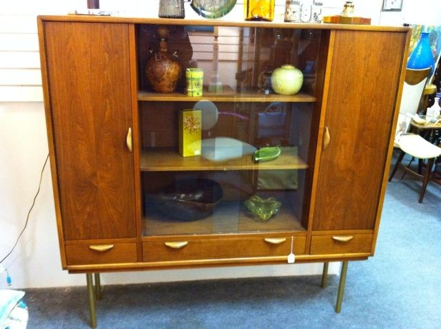 Beautiful Mid Century Display Cabinet