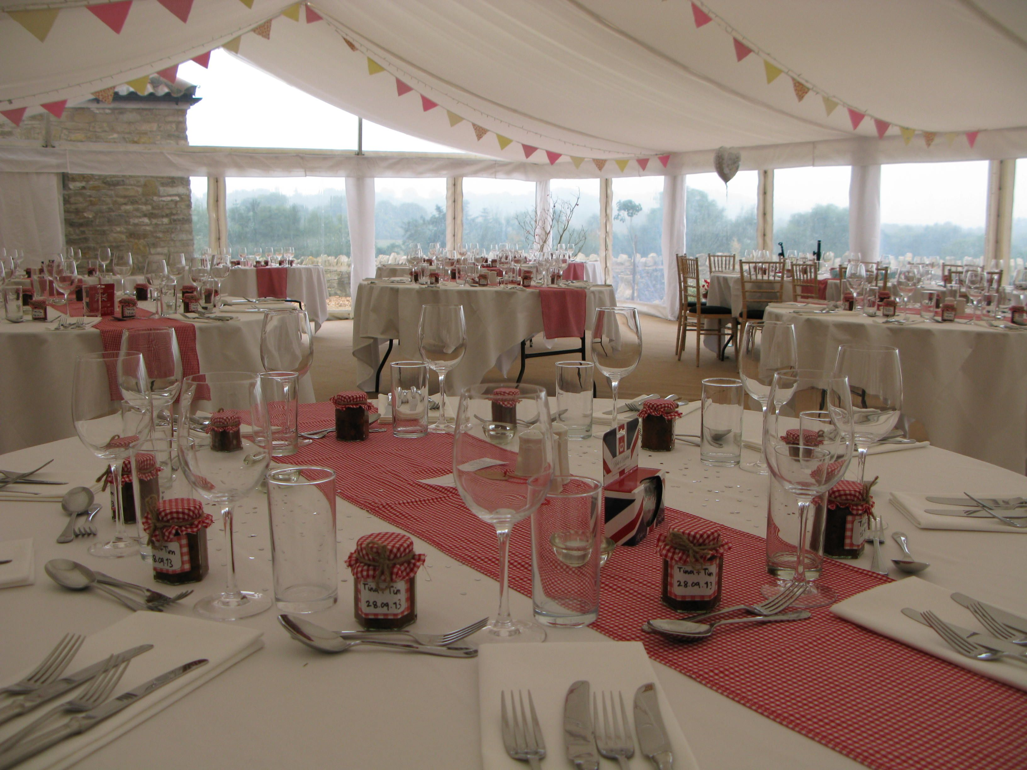 Charmant This Red And White Scandinavian Themed Wedding Used Red Gingham Table  Runners To Break Up The Plainness Of The Marquee. | Pinterest | Red Gingham,  Wedding ...