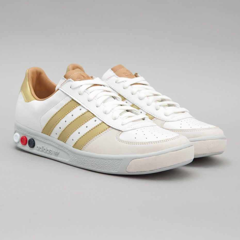 Adidas / Grand Slam OG (White / Metallic Gold / White Vapour)
