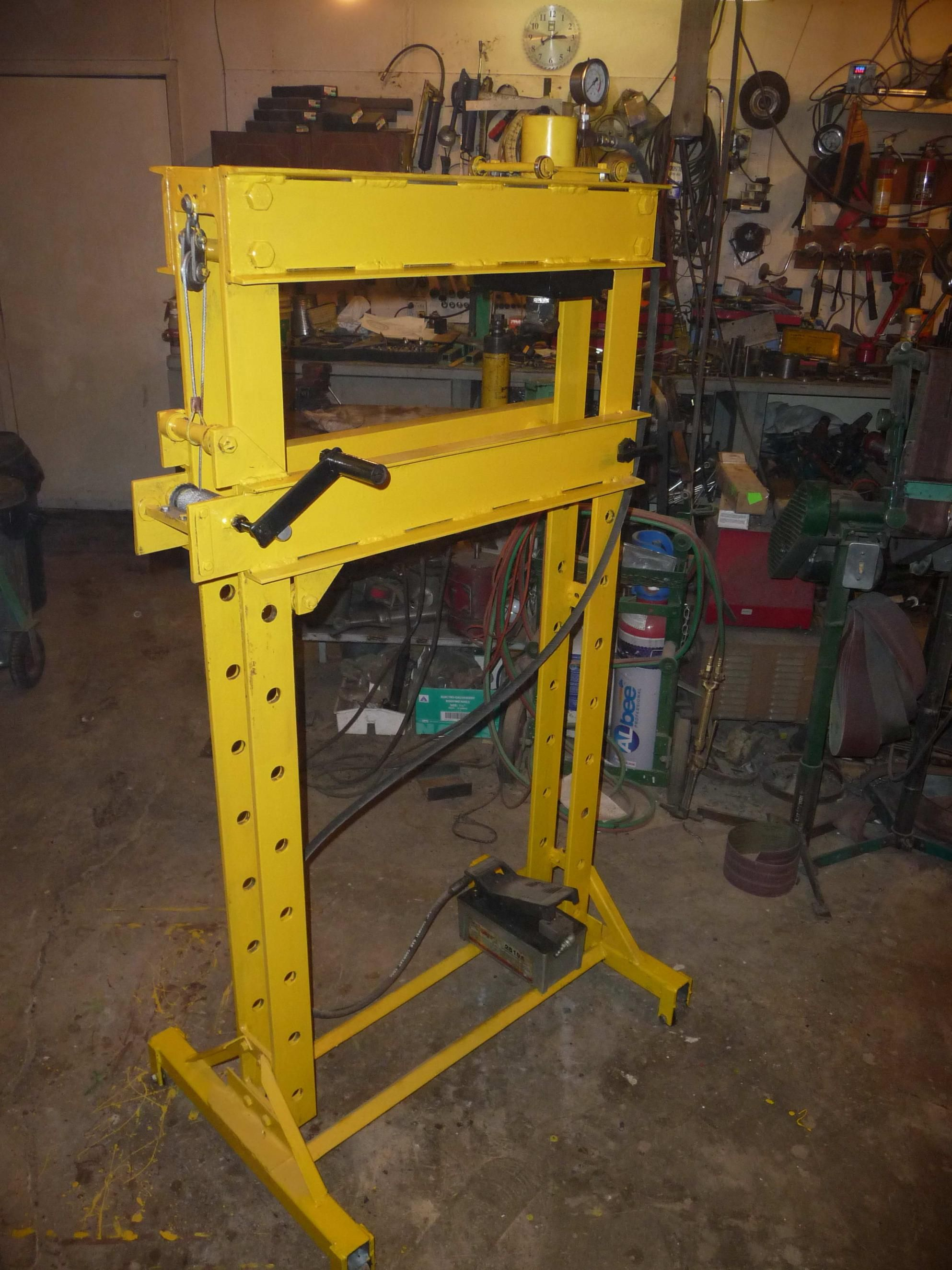 Homemade 25 Ton Hydraulic Press By Glens5 25 Ton Air Over Hydraulicwith Guard And Press Breakbed Winch In 2020 Hydraulic Shop Press Diy Shops Hydraulic