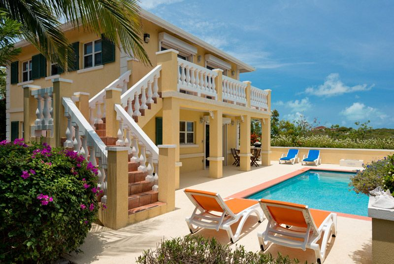 This House Is So Pretty Especially With The Pool Caribbean - Caribbean house colors exterior