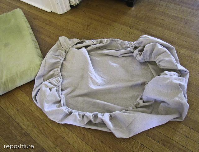 Make An Easy Elastic Cushion Cover Diy Cushion Covers Diy