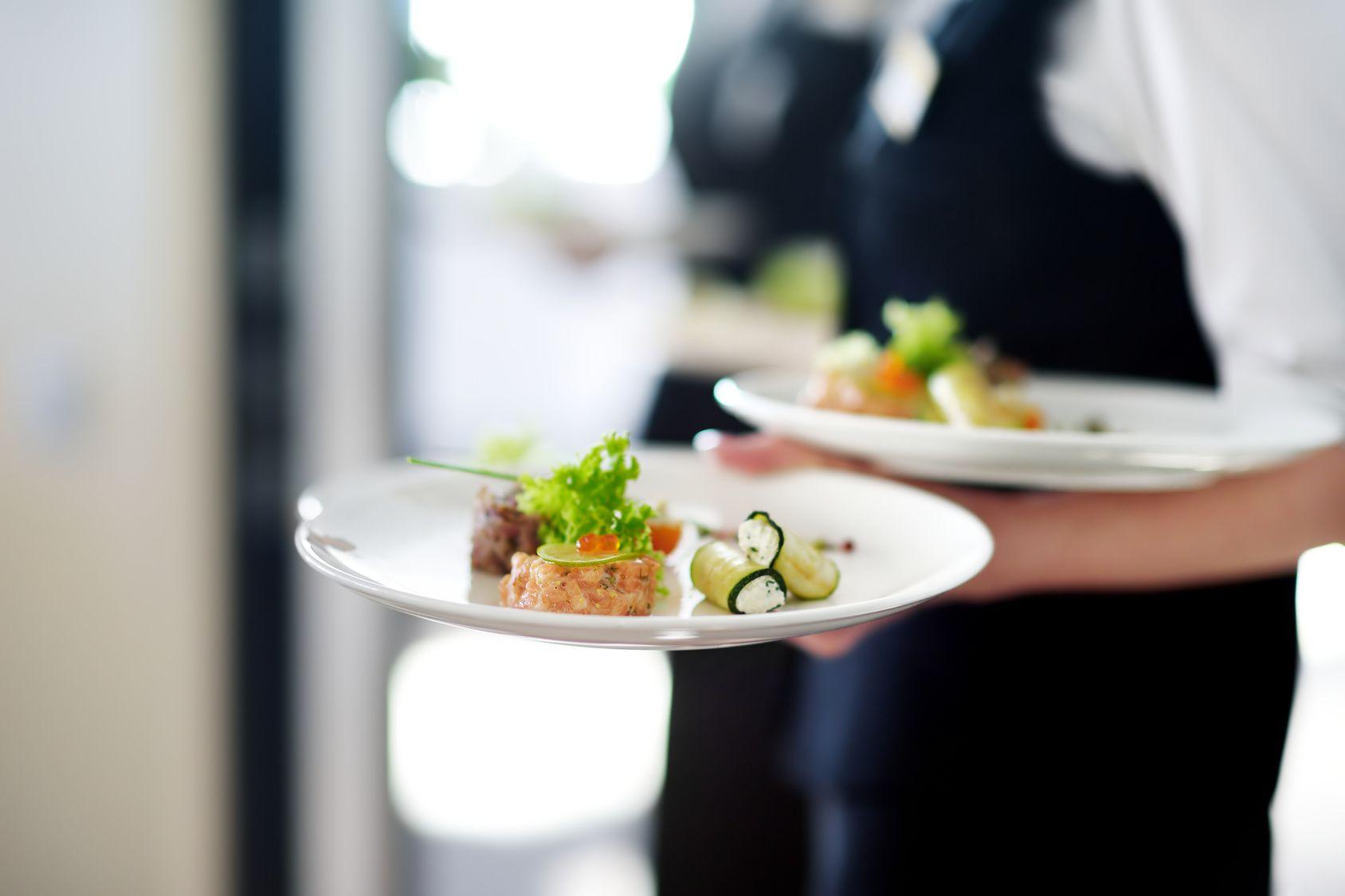 7 ainutlaatuista oppia, jotka saa työskentelemällä ravintolassa