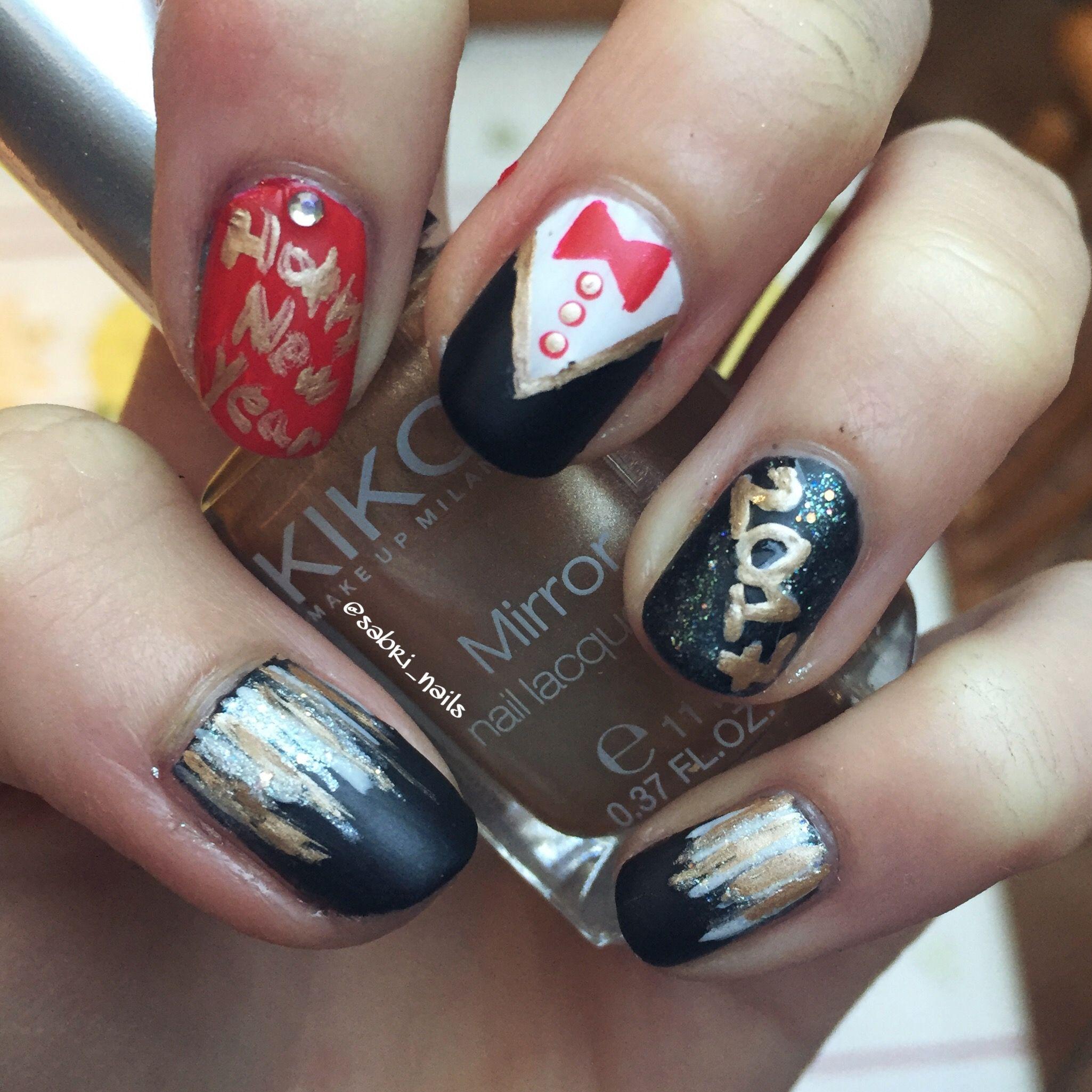 Happy new year nail design\