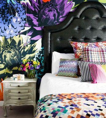 bold wallpaper, via thedecorista