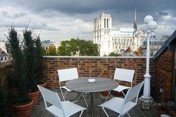 What a view! #Notre Dame http://www.all-paris-apartments.com/en ...