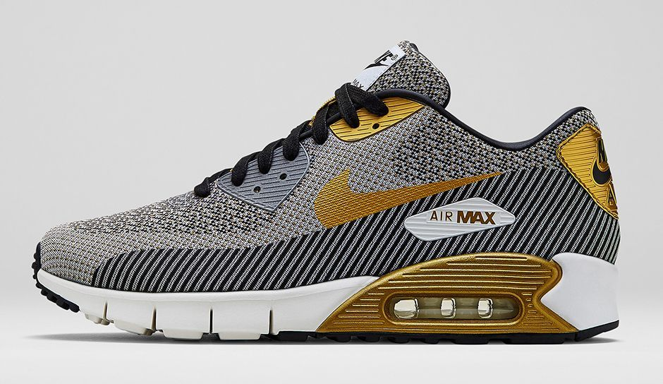 Seis hormigón cliente  Nike Sportswear's Gold Hypervenom Collection | Nike gold, Nike shoes  outlet, Nike air max