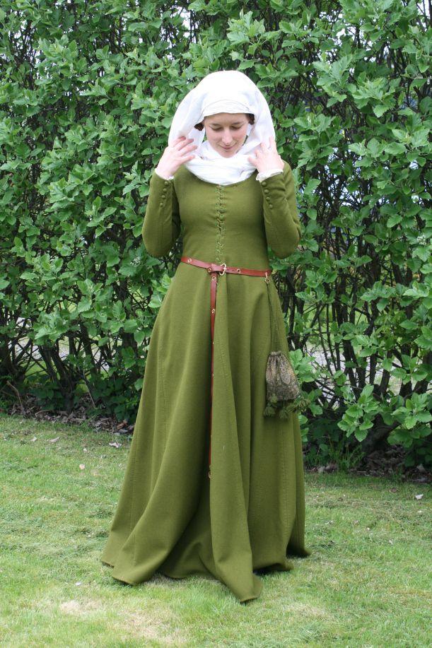 f1a3c188c053 IMG_9246   14th century in 2019   Medeltidsdräkt, Medeltidskläder ...