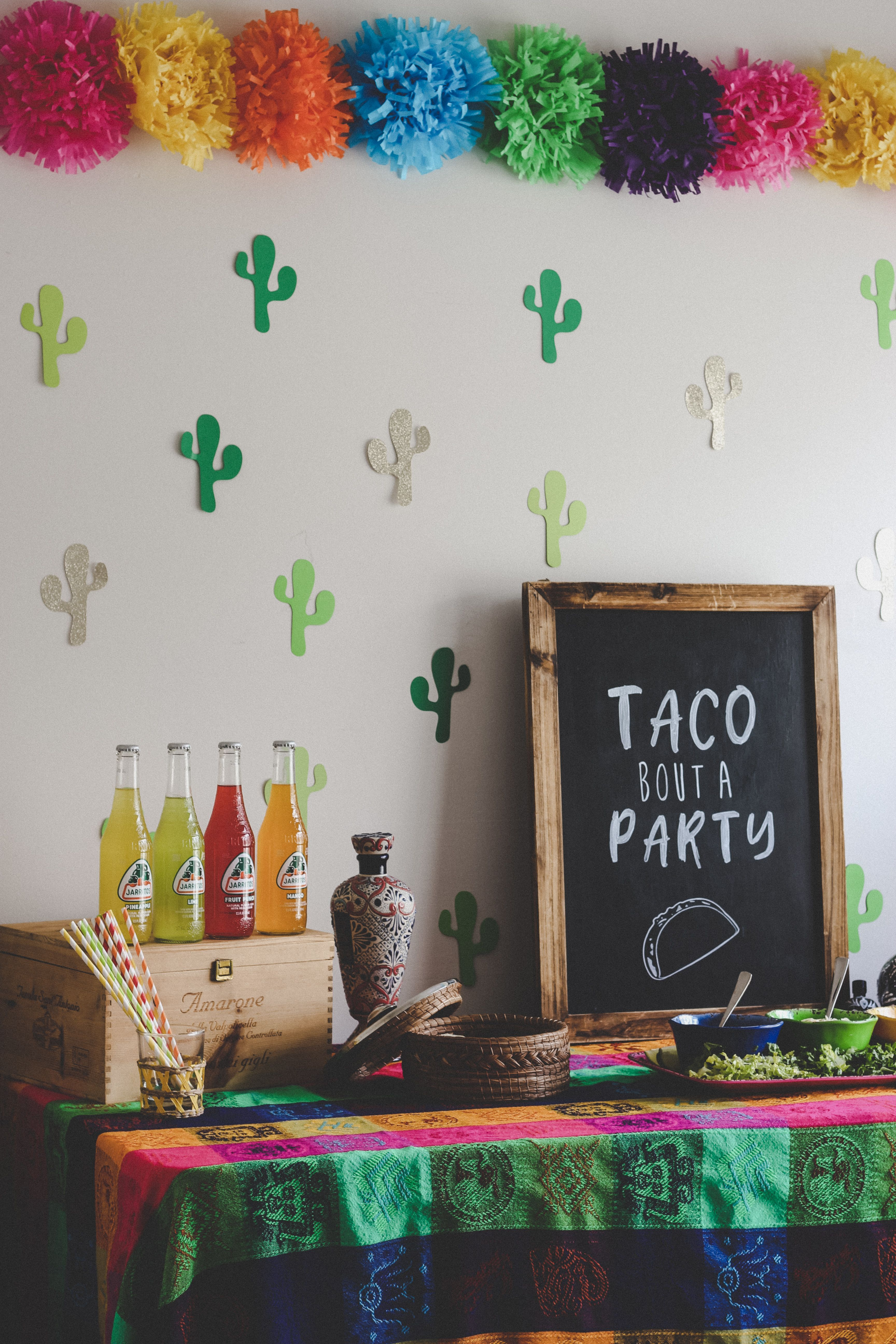 Simple Steps To Throw The Best Cinco De Mayo Fiesta Party Cinco De Mayo Party Decorations Mexican Party Theme Mexican Party Decorations