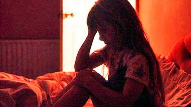 Una mujer inducía a su hija de 12 años a un trío sexual con su padrastro  https://t.co/ZJIFjRLFUM https://t.co/mT41sBMwX8