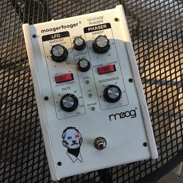 Moog MoogerFooger MF-103 12-Stage Phaser   Music   Guitar
