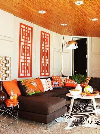 Sofa marrom e laranja | Decor - Salas | Pinterest