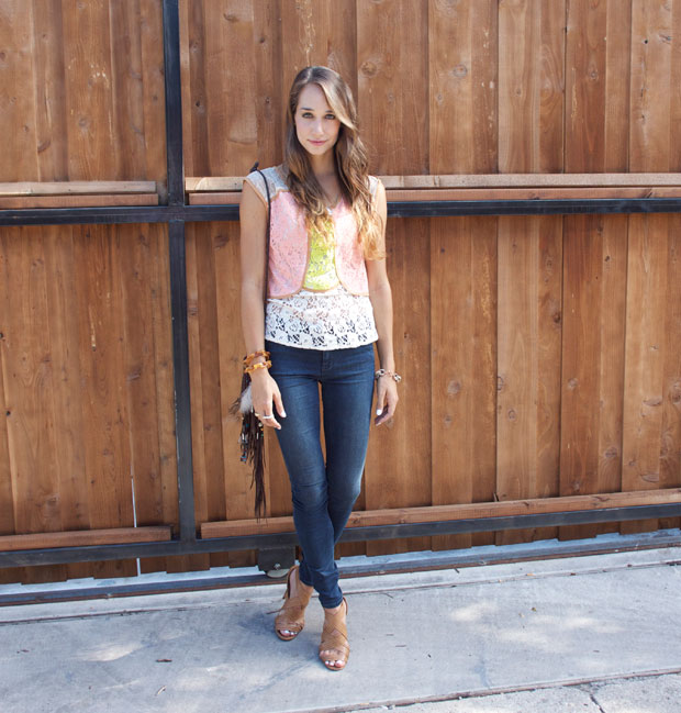 lace shell & skinny jeans