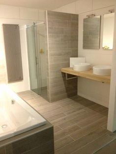 Afbeeldingsresultaat voor tegels badkamer hout | badkamers ...