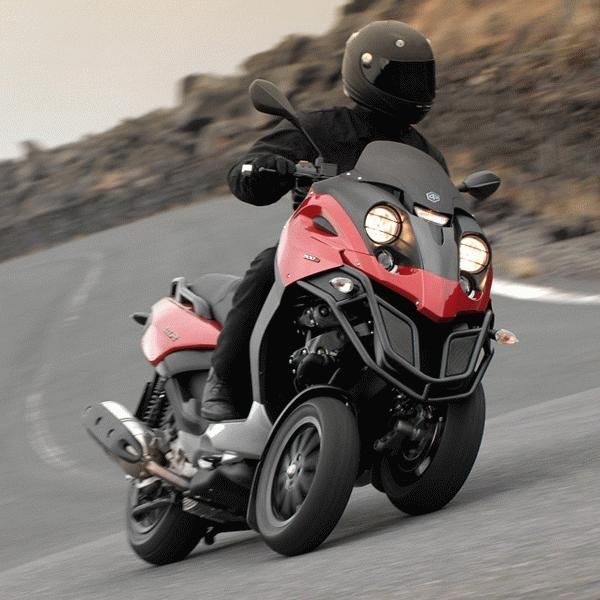 i really want one of these, that's all. piaggio mp3 250 |three