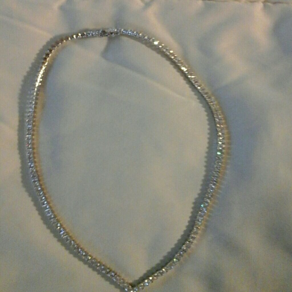 Sterling Silver 18 In. 20 Carts Of White Sapphire