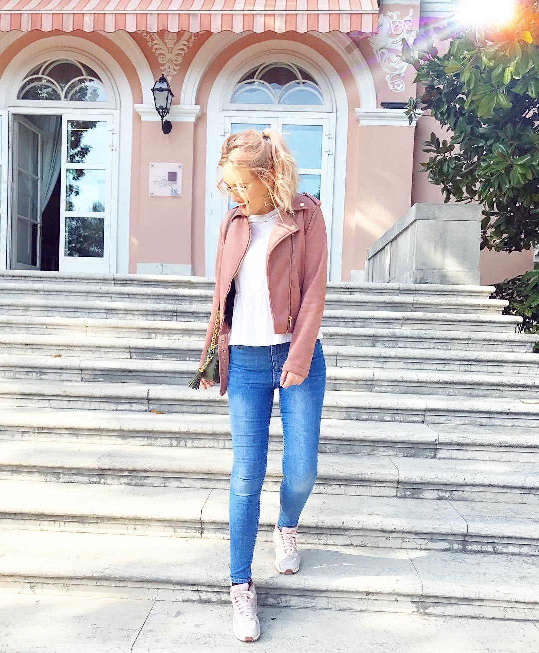 Viktoria Viktoriasarina On Instagram Welchen Emoji Verwendet Ihr Am Oftesten Ich Vermutlich Diesen Asthetische Kleidung Victoria Und Sarina Outfit