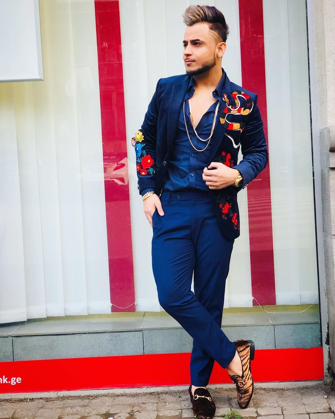 ", BLESSED?? on Instagram: ""Naye Saal Ka Naya Gaana !  #SheDontKnow  Exclusive Wardrobe By @bradaddiction ??♂️ Dropping Soon @tseries.official ? #MusicMG"", My Pop Star Kda Blog, My Pop Star Kda Blog"