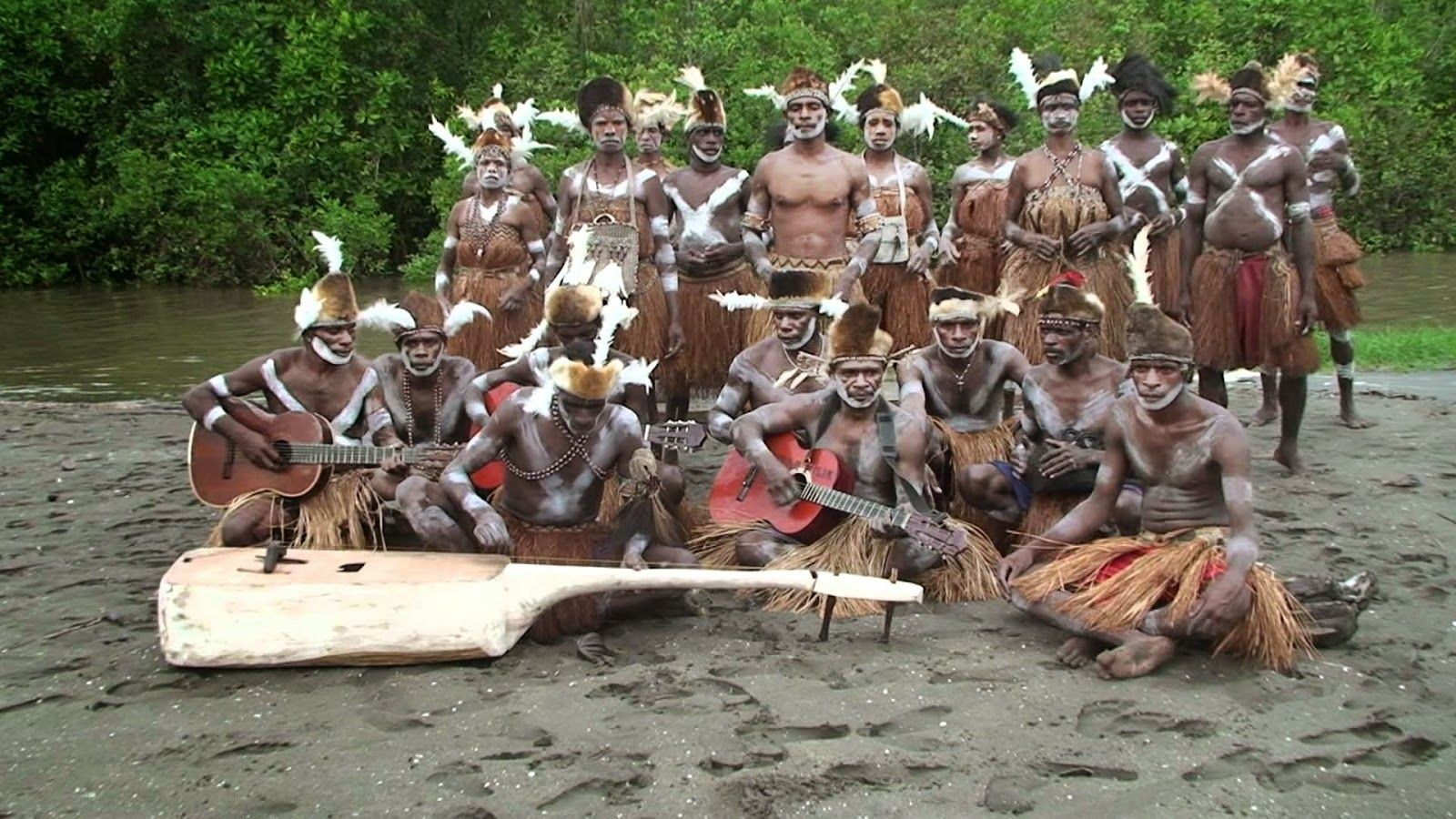 Gambar Pakaian Adat Yang Berasal Dari Papua