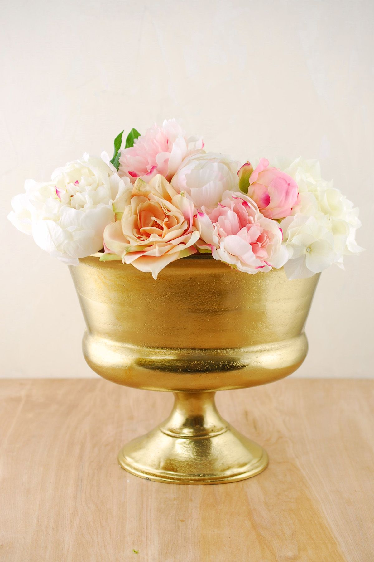 Gold metal vase for centerpiece arrangements