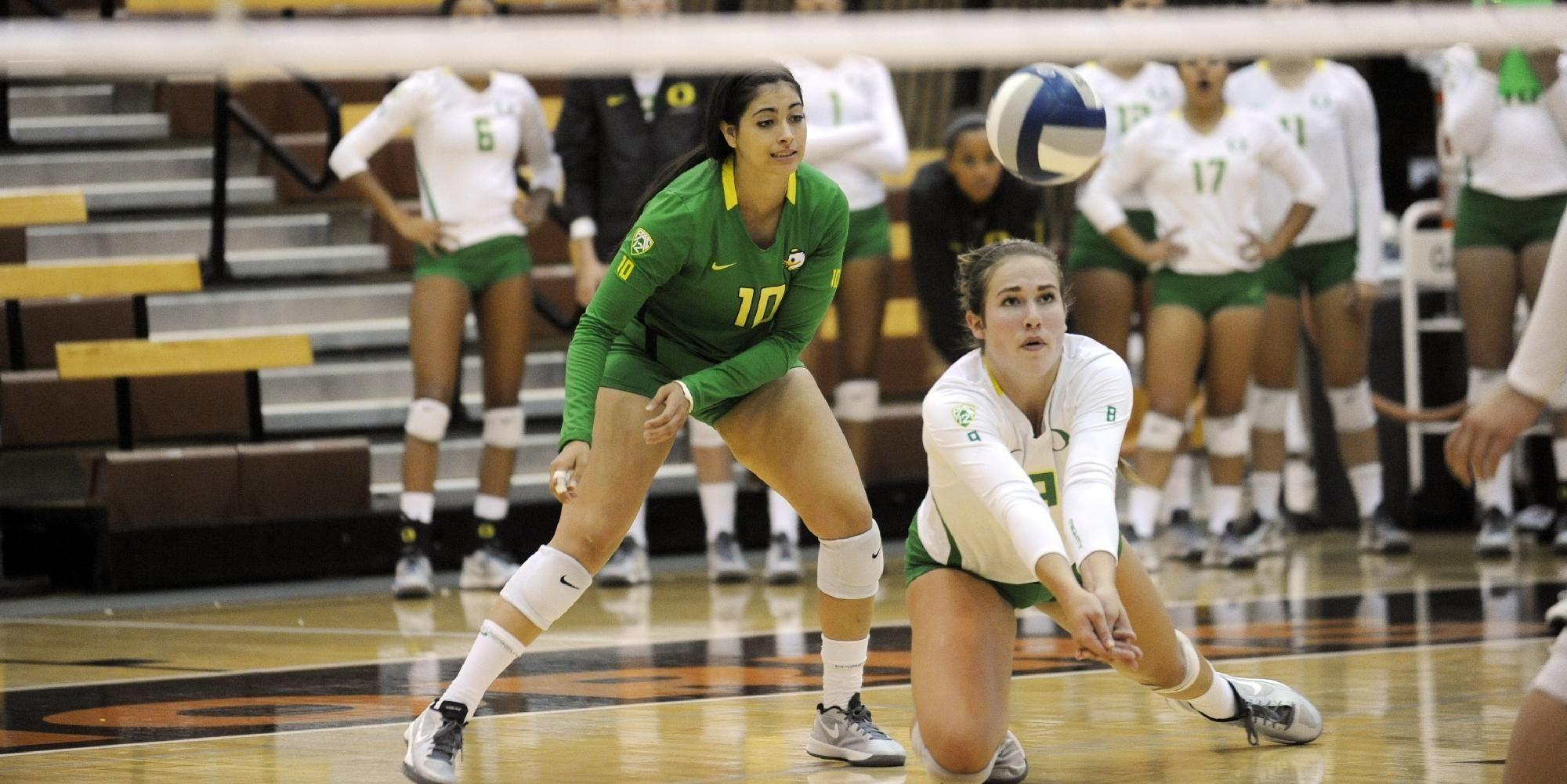 Ducks Drop Five Setter To No 4 Nebraska University Of Oregon Athletics Volleyball News Volleyball Team University Of Oregon