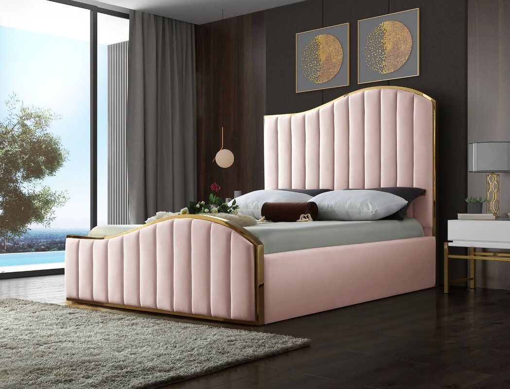 16++ Wulff velvet upholstered platform bed information