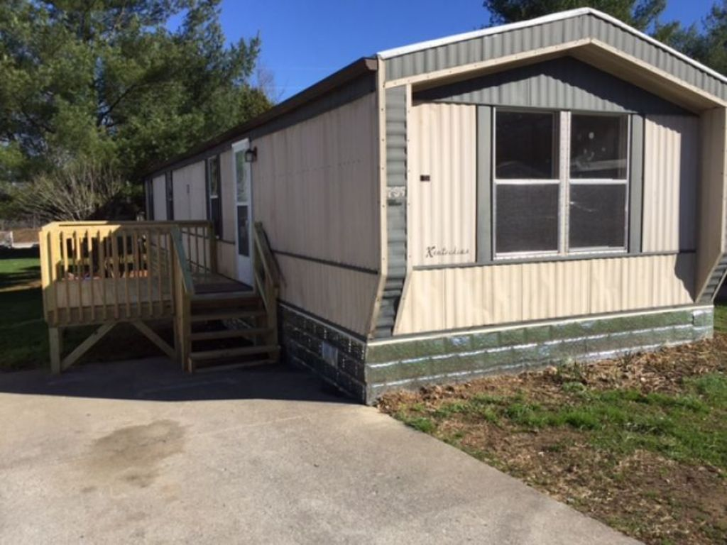 Mobile Home For Lease In Park Place Caryville Tn 2 And 3 Bedroom Homes See Website Details Ayers Auction Real Esta