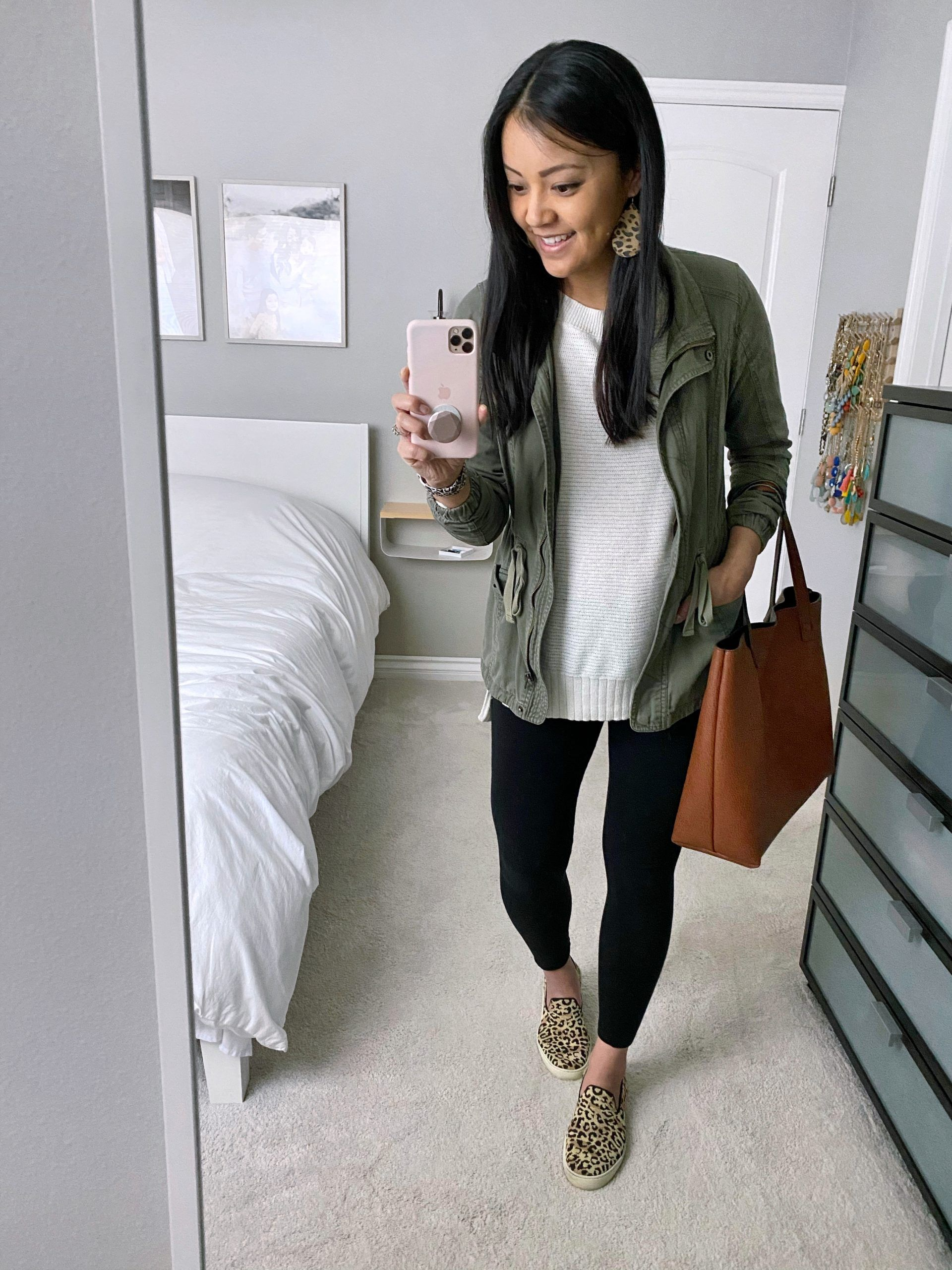 3 Outfits With Leggings to Wear at Home From the Early Mini Spring Capsule Wardrobe