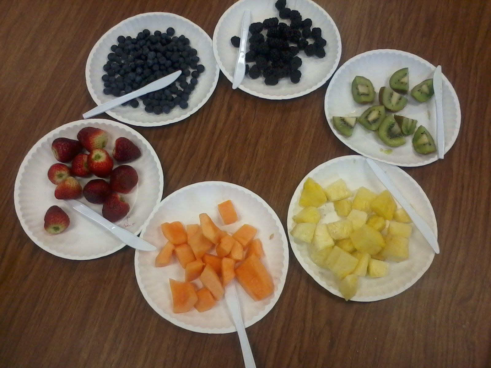 Rainbow fruit salad- kids cut and mix fruits of the colors of the rainbow