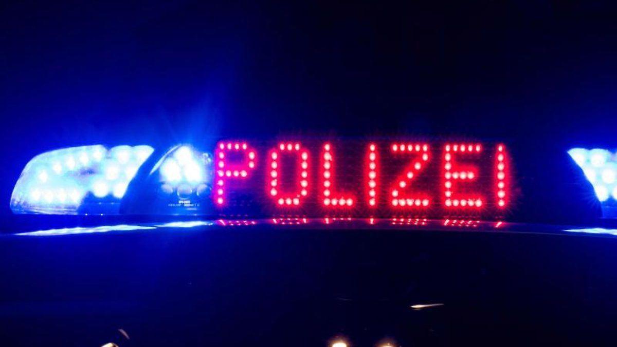 Mutter Und Sohn Ertrinken Im Rhein In 2020 Neon Signs Neon Signs