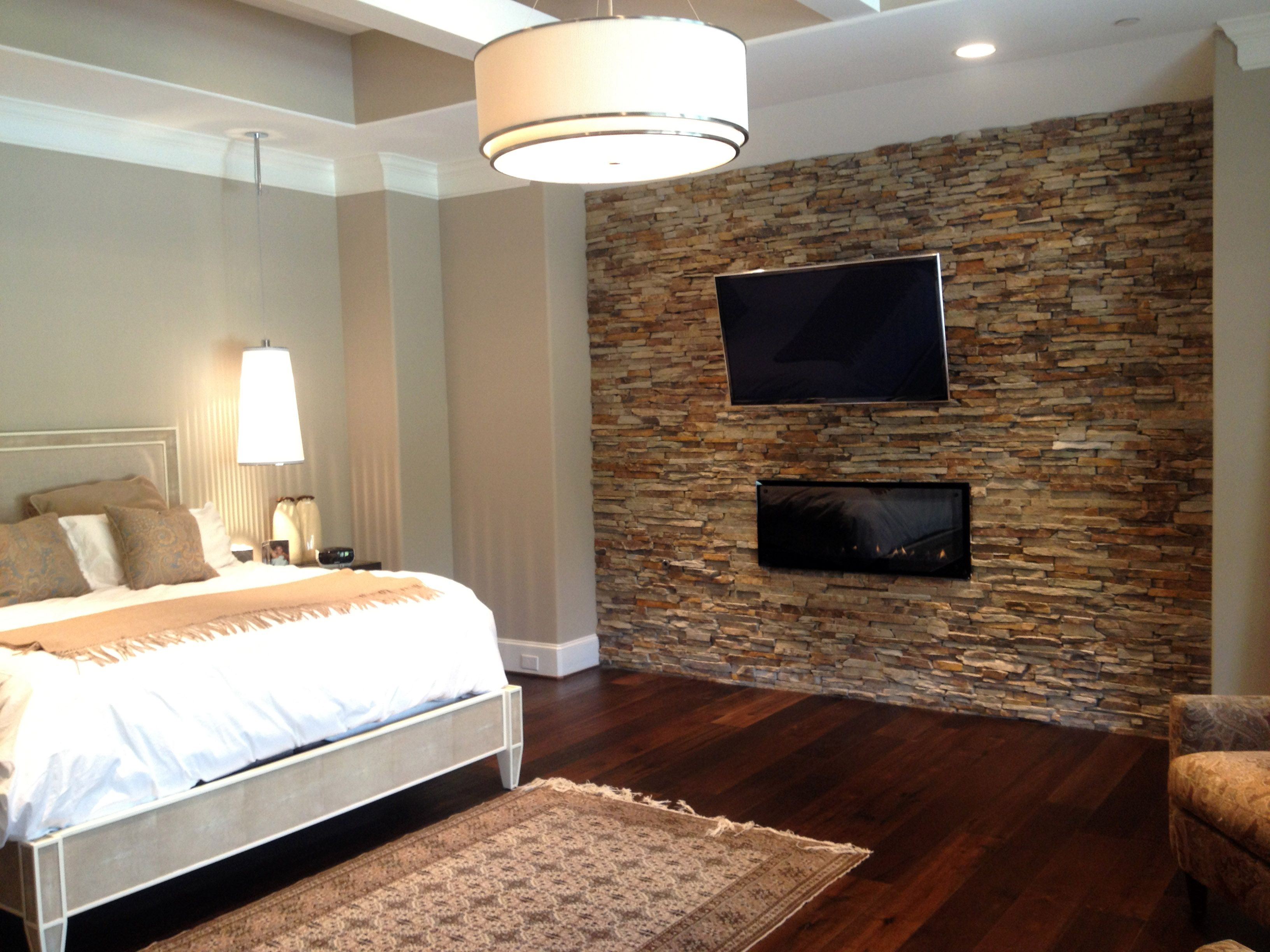 Master bedroom - Virginia Ledgestone - Accent Walls - Natural ...