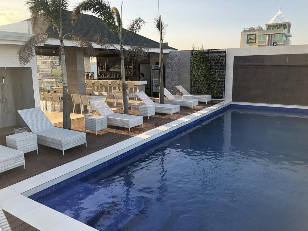Mondo in the Philippines 1 Apollonia Royale Hotel Hotel