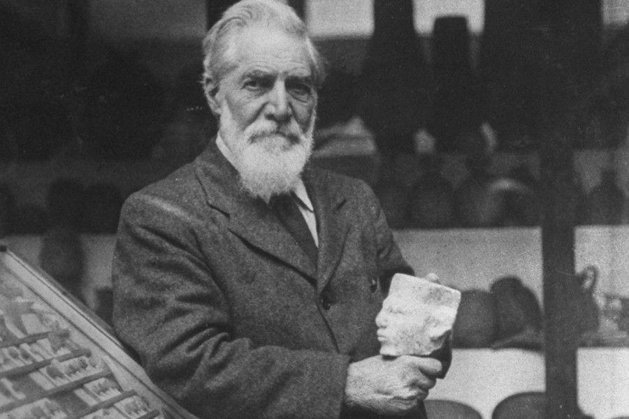 Sir W. M. Flinders Petrie (1853-1942) A pioneer in using