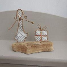 femme au cadeau de no l papier ancien bois flott fil kraft arm id e pour tricotin. Black Bedroom Furniture Sets. Home Design Ideas