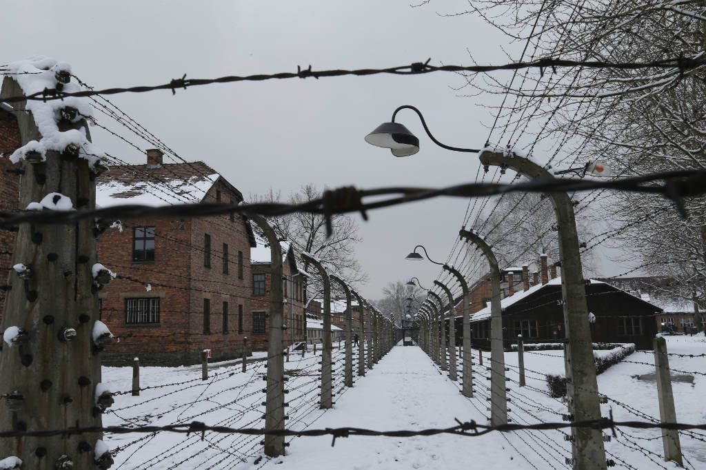 Auschwitz visto por um drone, 70 anos depois da libertação | P3