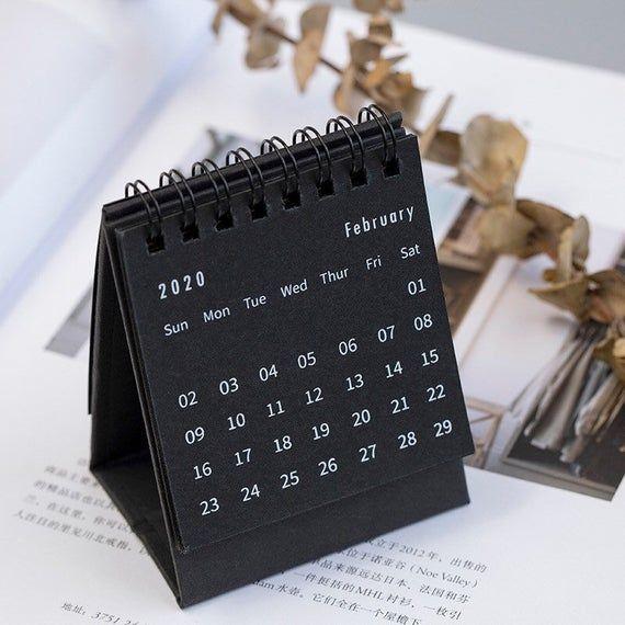 2020 Standup Desk Calendar Monthly Calendar Small Calendar Minimum Style Calendar Livros Artesanais Faca Voce Mesmo Papelaria