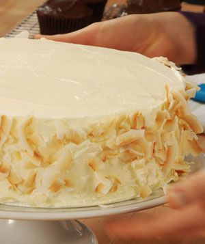 How To Decorate the Sides of a Cake