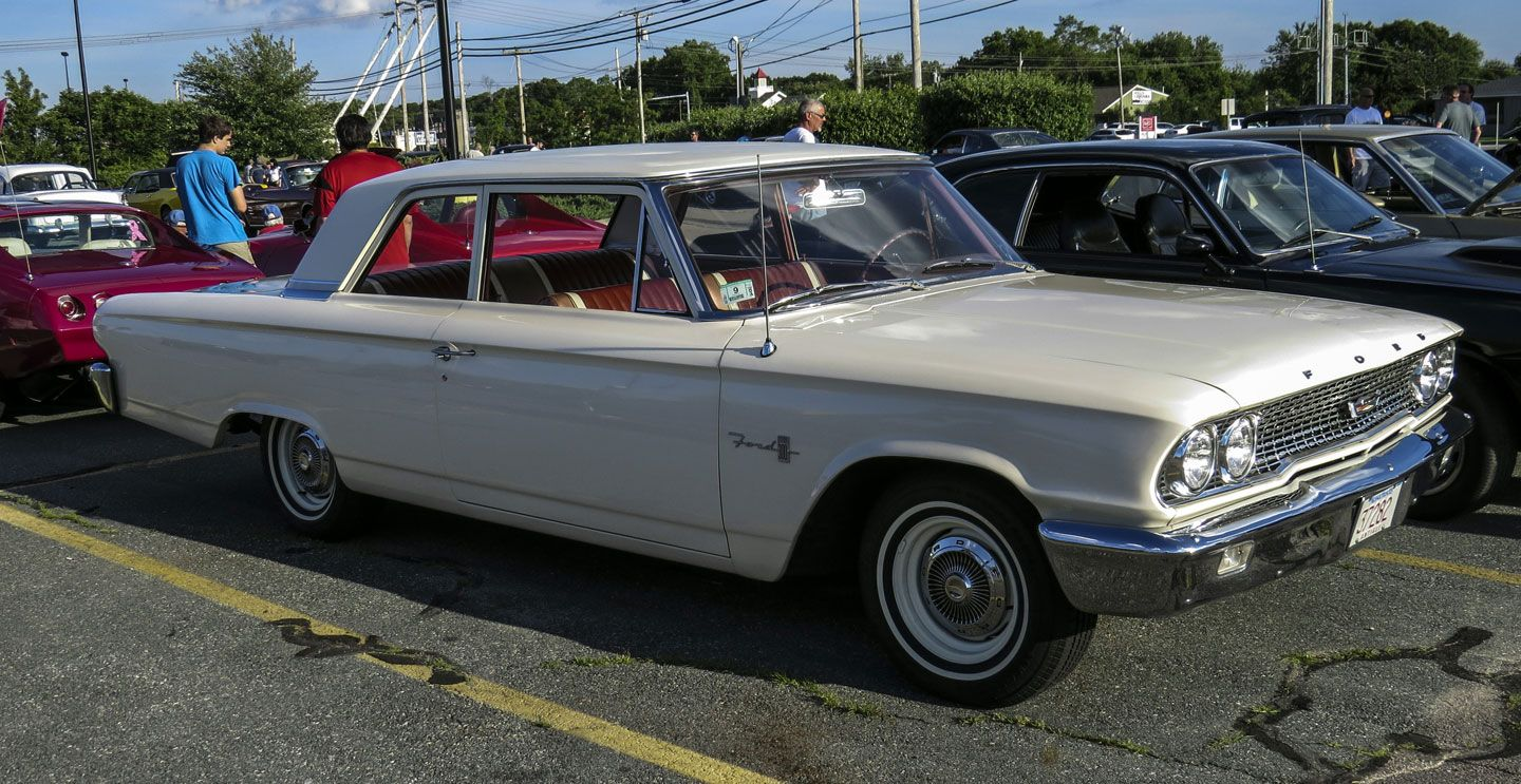 1963 Ford 300 2dr