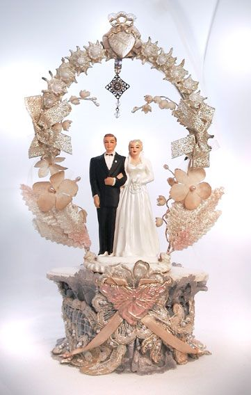Wedding Cake Topper 1952 I may start collecting these vintage