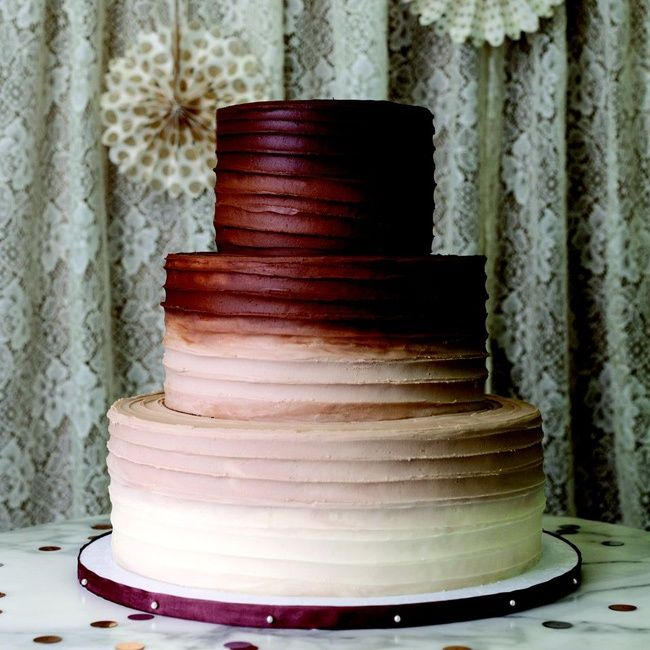 Chocolate to vanilla buttercream is a tasty way to add an ombre effect. Magnolia Bakery