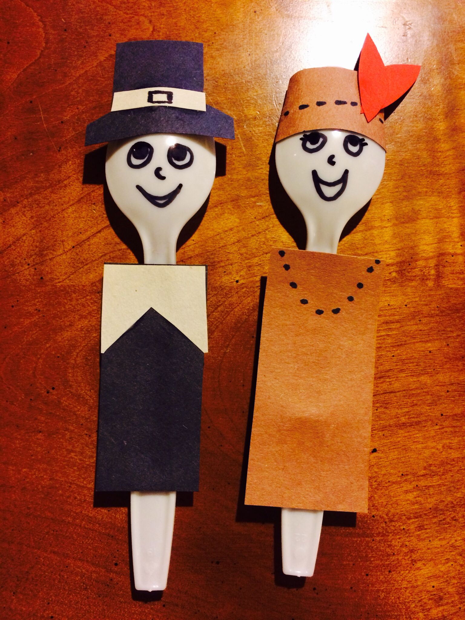 Thanksgiving Craft Spoon Pilgrim And Indian Puppets