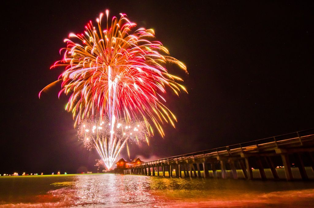 Fireworks at the Naples Pier Fireworks photography