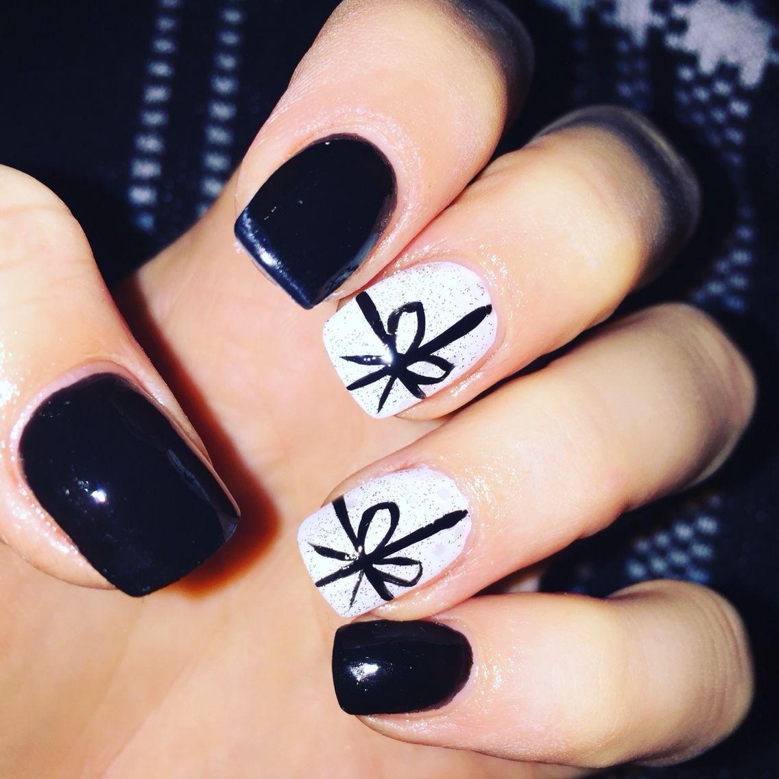 Black and white ribbons bows xmas nails nail art nail design
