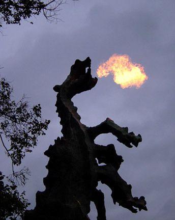 Wawel Dragon S Den Krakow Dragon Statue Places To Travel