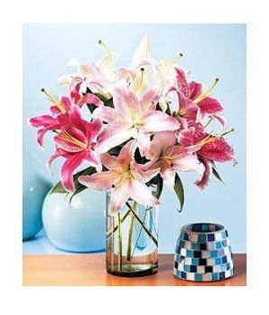 Summerburst Lilies - Flowers - http://yourflowers.us/?p=2126