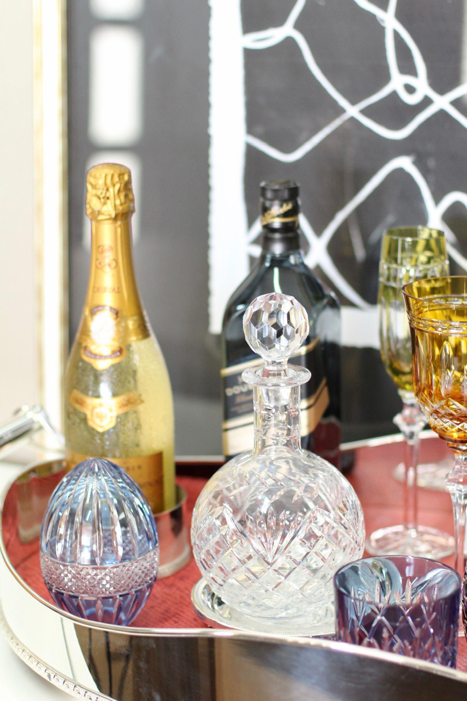 Bandeja Em Prata Com Fundo De Palha Copo Para Whisky Em Cristal
