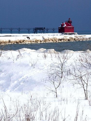 Sturgeon Bay Pierhead Lighthouse 0726 Lighthouse Sturgeon Bay Lake Michigan
