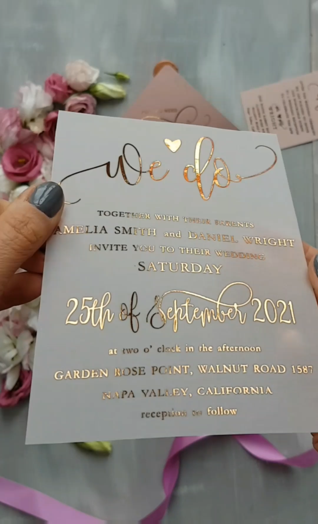 Elegant idea for your wedding - simple and glam wedding invitations with rose gold lettering