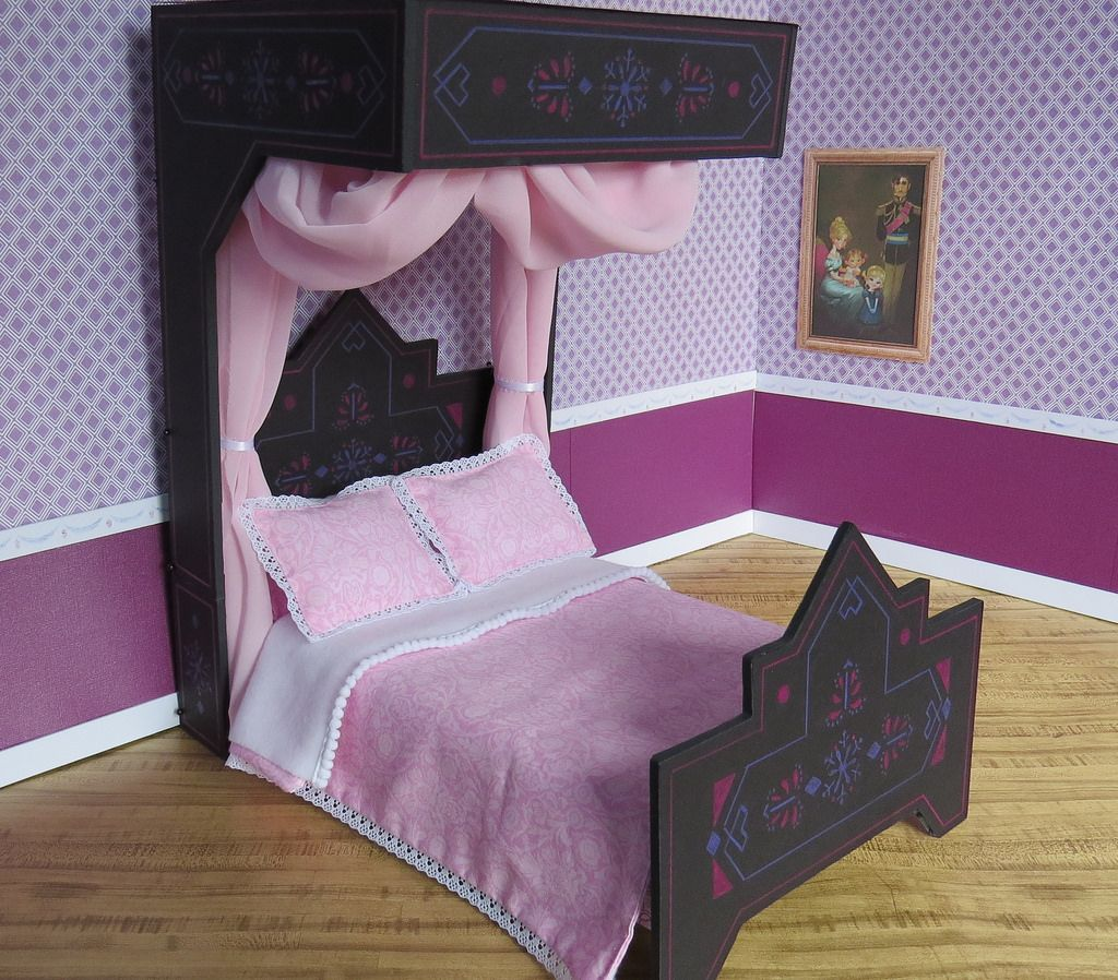 (14) Princess Elsau0027s Black Bed | By Foxy Belle