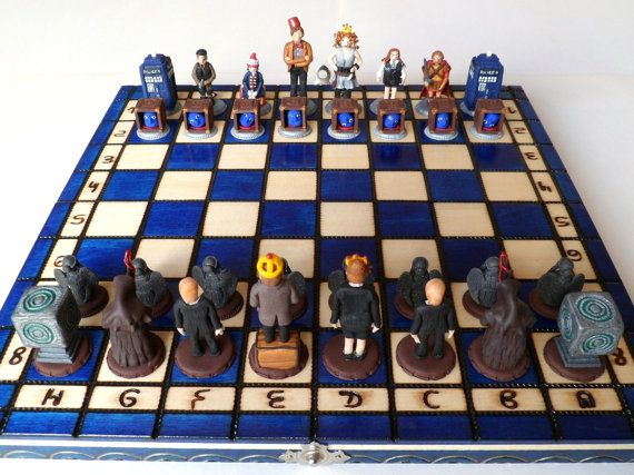Just look at this handmade Doctor Who chess set! Just look at it!